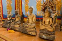 Buddhaskulptur i den Thailand templet Royaltyfria Bilder