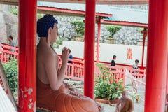 Buddhaskulptur i Keken Lok Si Temple är en buddistisk tempel i Penang och är en av de bästa bekanta templen på ön arkivfoton