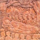 Buddhaskulpturer i templet Arkivbilder