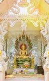 Buddhastaty i ashramen arkivfoton