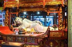 Buddhastaty i Jade Buddha Temple i Shanghai, Kina, fotografering för bildbyråer