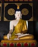 Buddhastaty i tempel 2 royaltyfri fotografi