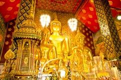 Buddhastaty i tempel för Wat passande tas Hariphunchai Royaltyfria Bilder