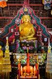 Buddhastaty i tempel på nan Thailand Arkivfoto