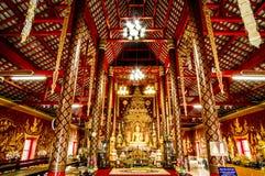 Buddhastaty i Wat Chiang Man Temple Chiangmai, Thailand Fotografering för Bildbyråer