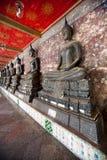 Buddhastaty i Wat Suthat Royaltyfri Bild