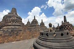 Buddhastaty på den Borobudur templet, Indonesien Arkivbilder