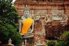 Buddhastaty på forntida slottar ayutthaya thailand Arkivbilder