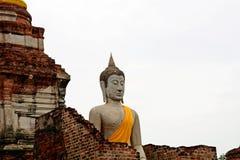 Buddhastaty på forntida slottar ayutthaya thailand Royaltyfria Foton