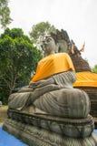 Buddhastaty på 500 guld- pagoder tempel, Thailand Arkivfoton