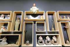 Buddhastaty på hyllan Royaltyfri Fotografi