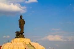 Buddhastaty på nordostliga Buddhamonthon , Khonkaen Thailand Royaltyfria Foton