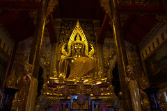 Buddhastaty på pitsanuloke I för phaya för Wat watnang Royaltyfria Foton