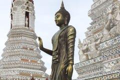 Buddhastaty på Wat Arun Rajwararam Royaltyfri Fotografi