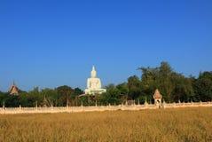 Buddhastaty på Wat Pho Rat Samakkhi Fotografering för Bildbyråer