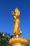 Buddhastaty på Watsawangarom Royaltyfria Bilder