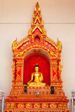 Buddhastaty på Wat Chedi Luang, Chiang Mai Arkivbilder