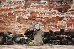 Buddhastaty utan armar och ben Arkivbilder