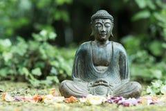 Buddhastaty utomhus Royaltyfria Foton