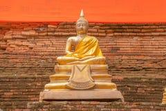 Buddhastaty Wat Lok Moli royaltyfria bilder
