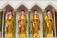 Buddhastatyer i den Kek Lok Si templet, Penang arkivbild
