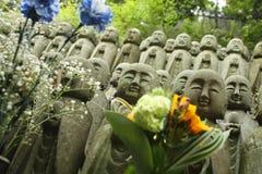 Buddhastatyer på den Hase-Dera templet Royaltyfri Fotografi