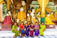 BuddhastatyShwedagon pagod Yangon Myanmar arkivbild