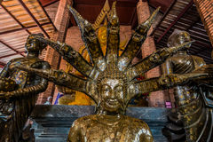 Buddhastatystående Wat Yai Chai Mongkhon Ayutthaya bangkok T Royaltyfri Foto