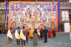 Buddhist monks and bhutanese people at the Trongsa Dzong, Trongsa, Bhutan Royalty Free Stock Photos