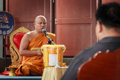 Buddhist monks pray Royalty Free Stock Photos