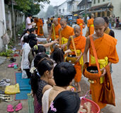buddhistic μοναχοί του Λάος luang prabang Στοκ Φωτογραφία