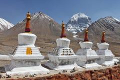 Buddhistic stupas (chorten) в Тибете Стоковое Изображение