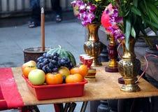 Buddhistische Altar-Tabelle Stockfotografie