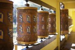 Buddhistische Gebet-Räder Stockfotos