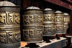 Buddhistische Gebeträder lizenzfreies stockbild