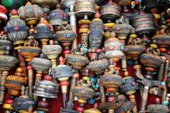 Buddhistische Gebeträder lizenzfreies stockfoto