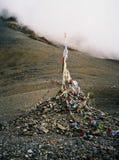 Buddhistische Gebetsflaggen im Himalaja Lizenzfreie Stockfotos