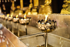 Buddhistische Kerzen Lizenzfreies Stockfoto