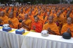 Buddhistische Mönche in Bangkok Stockbilder