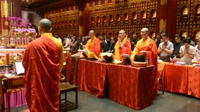 Buddhistische Mönche, Singapur stock footage