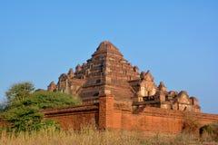 Buddhistische Pagode Dhammayangyi - eine der oldes und des größten Temp Stockbild