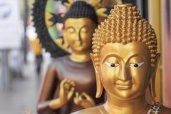 Buddhistische Statuen auf Straße Lizenzfreie Stockfotografie