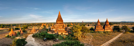 Buddhistische Tempel Mahazedi bei Bagan Kingdom, Myanmar (Birma) Lizenzfreies Stockfoto