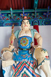 Buddhistische Wächterstatue am Eingang von Daxiangguo-Tempel, Kaifeng, China Lizenzfreie Stockbilder