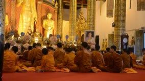 Buddhistische Zeremonie in Thailand stock footage