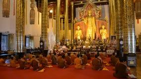 Buddhistische Zeremonie in Thailand stock video footage