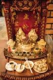 Buddhistischer Altar für Götter Stockfotos