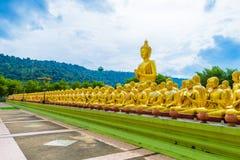 Buddhistischer Gedenkpark Makha Bucha wird anlässlich G errichtet Lizenzfreie Stockfotografie