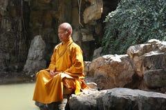 Buddhistischer Mönch In China stockfoto