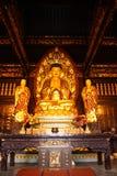 Buddhistischer Tempel. Goldene Statue von Buddha Lizenzfreies Stockfoto